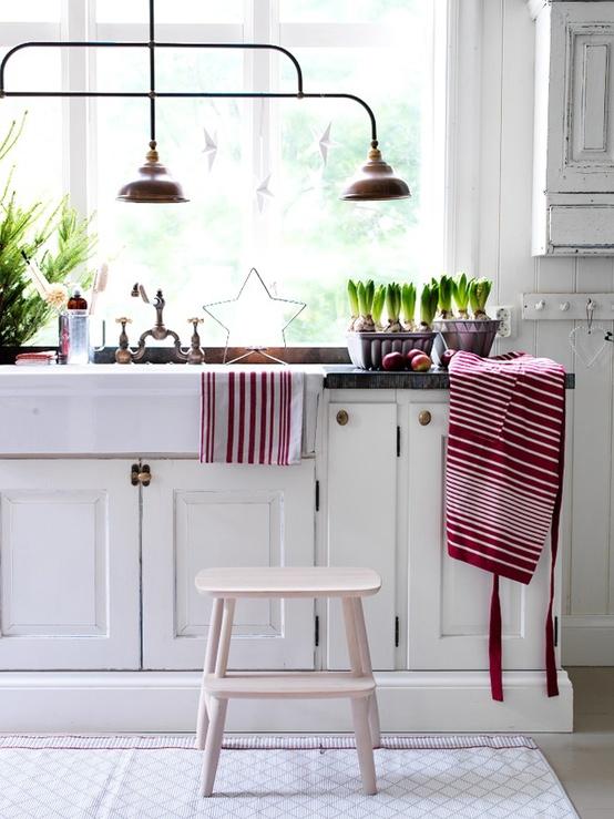 Inspiring-Scandinavian-Christmas-Decorating-Ideas-7.jpg