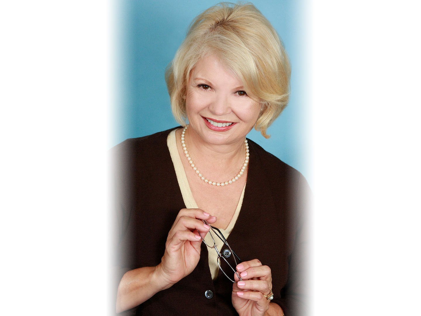 kathygarver_pearls_glasses_w1440.jpg
