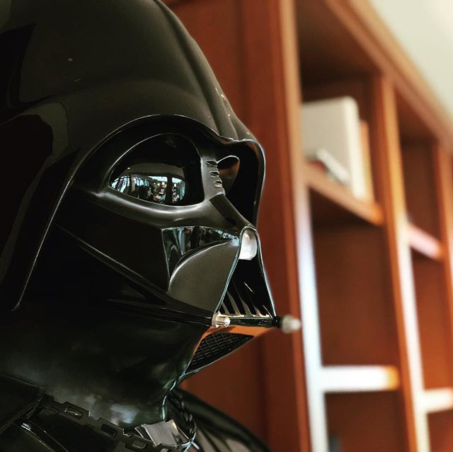 Always a good time visiting ILM. Thanks @mr.smithstudios for the invite and thanks to the @visualeffectssociety for hosting a great event. #ilm #darthvader #starwars #iamyourfather #screening #industriallightandmagic #movie #lucas #picoftheday #friday