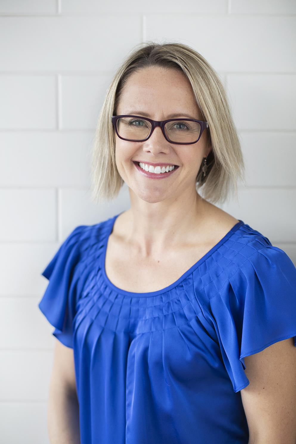 Dr Romana Calder