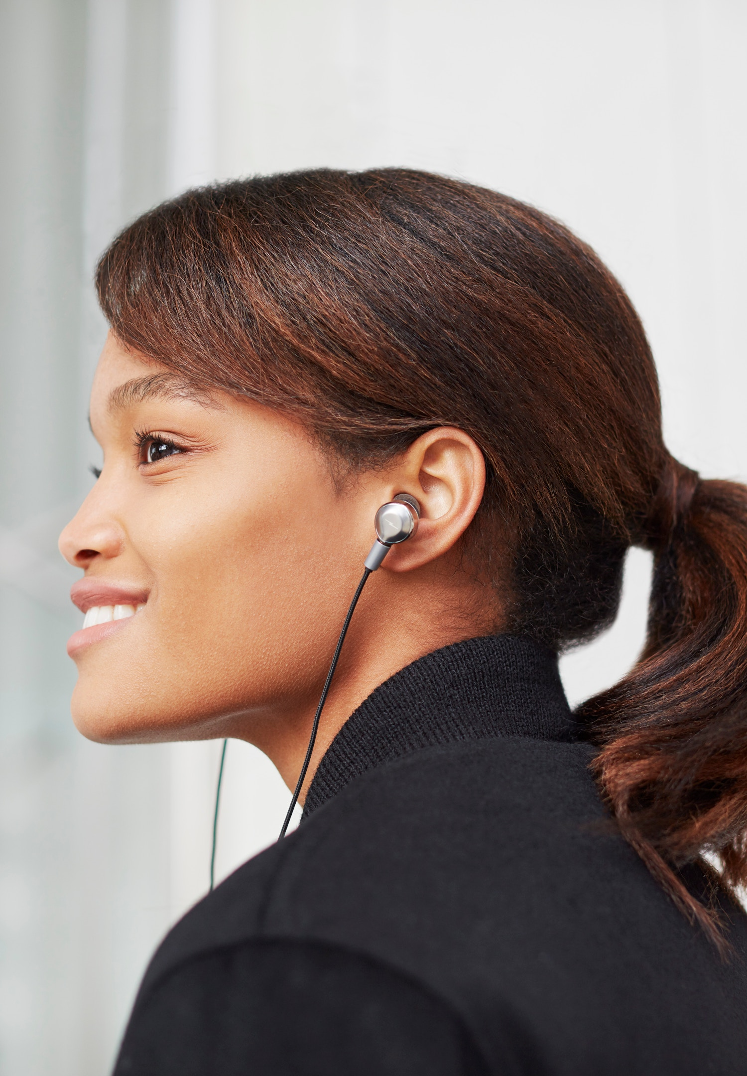 s4220090631_headphones_inear_silver_02_1500x2160.jpeg