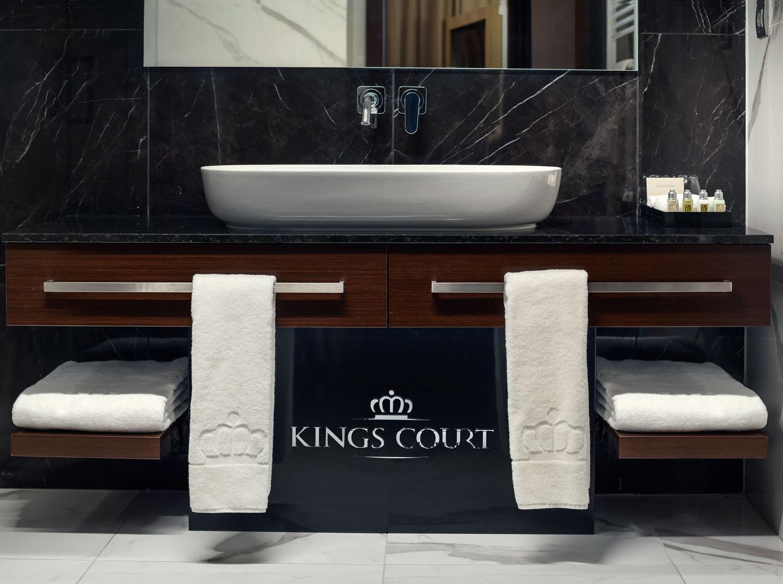 19-19-kingscourt-Koupelna2-1.JPG