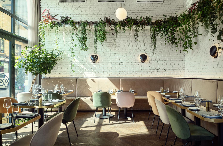 19-19-kingscourt-Restaurace.JPG