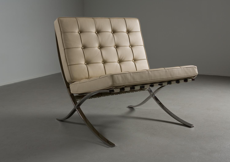barcelona chair-1.jpg