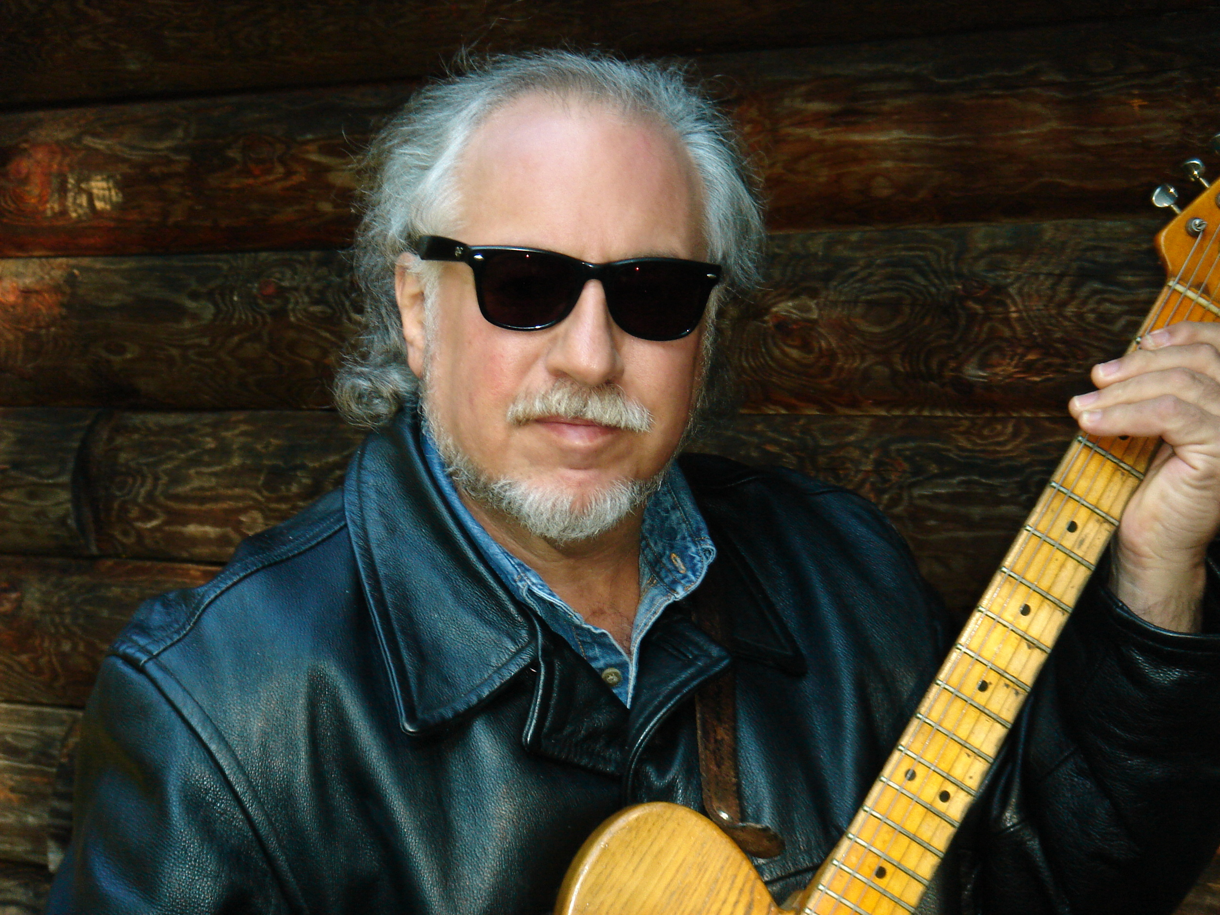 "<h2><font color=""#FFFFFF"">Steady Rollin' Bob Margolin</h2></font>"