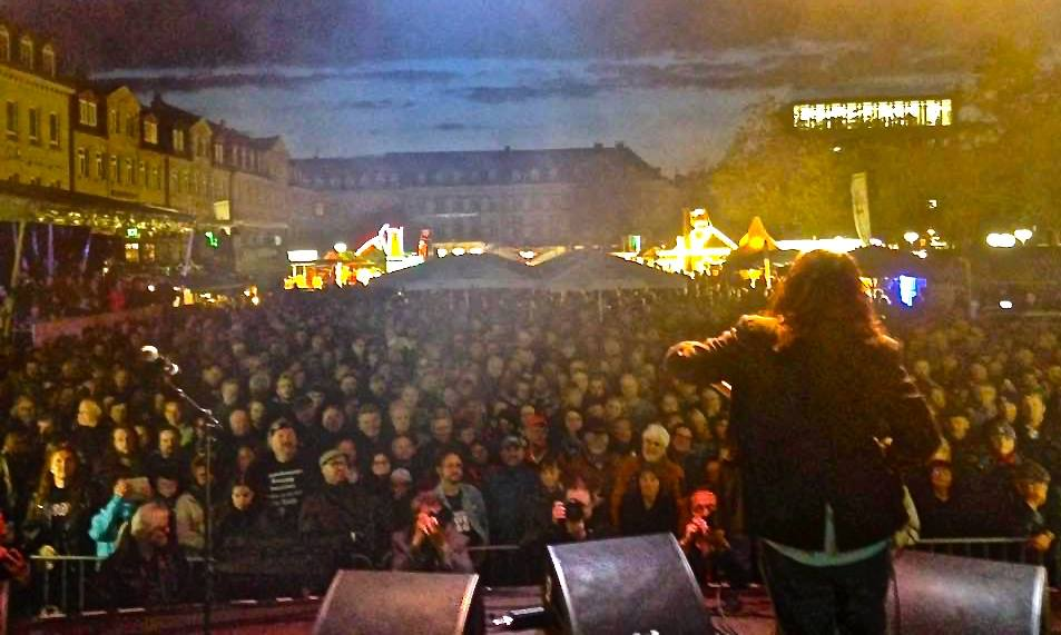 ALASTAIR GREENE BAND HEADLINED THE 3 DAY NEW ORLEANS FESTIVAL IN FÜRTH, GERMANY IN FRONT OF AN ENTHUSIASTIC CROWD OF 5,000.