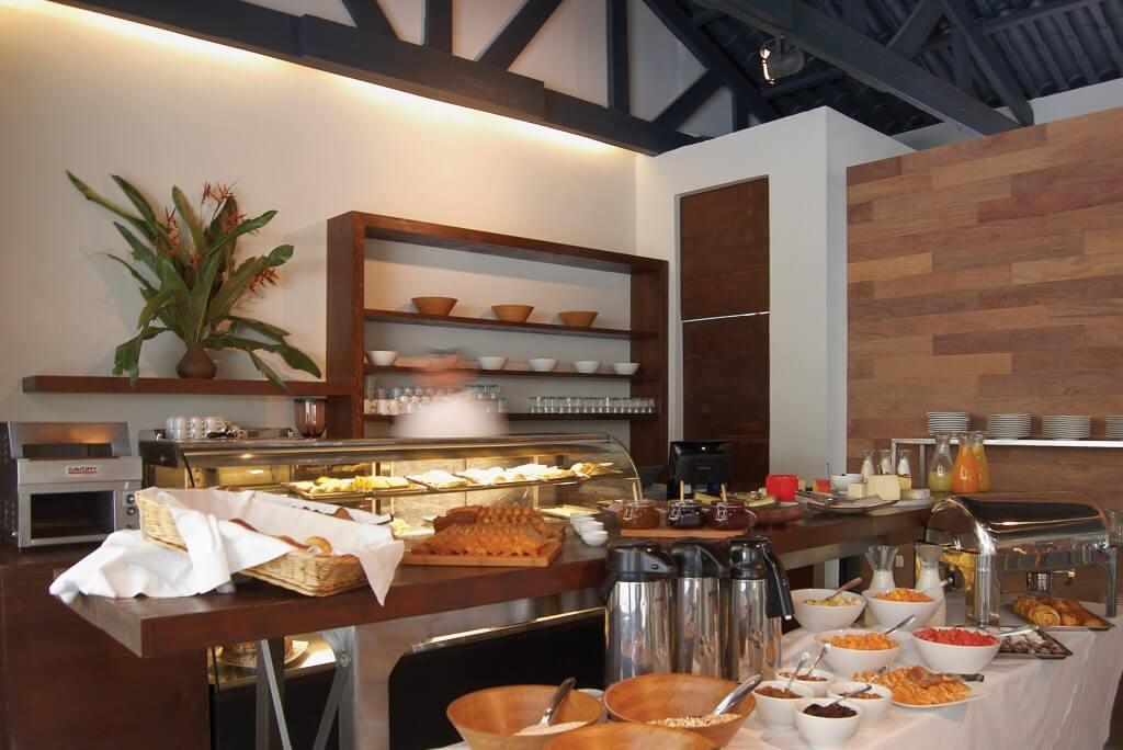 El Mapi breakfast bar.jpg