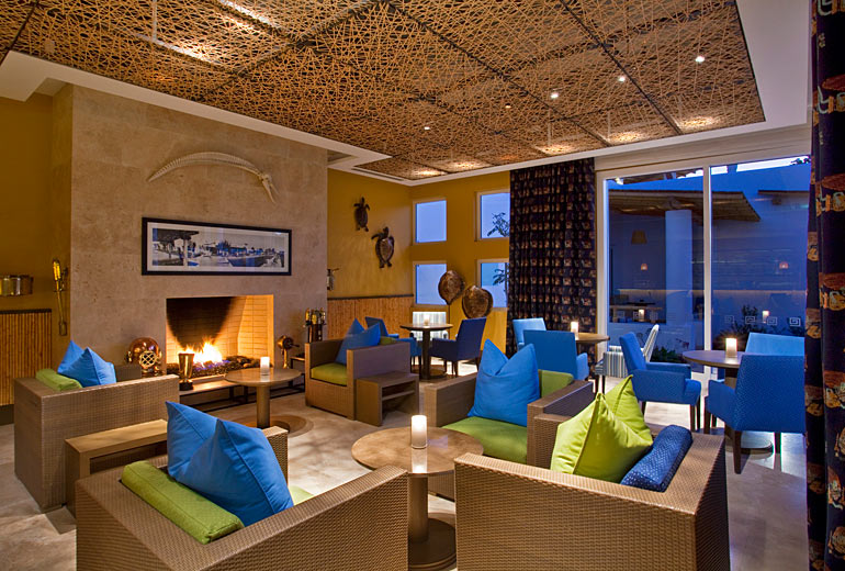 Hotel Paracas bar.jpg