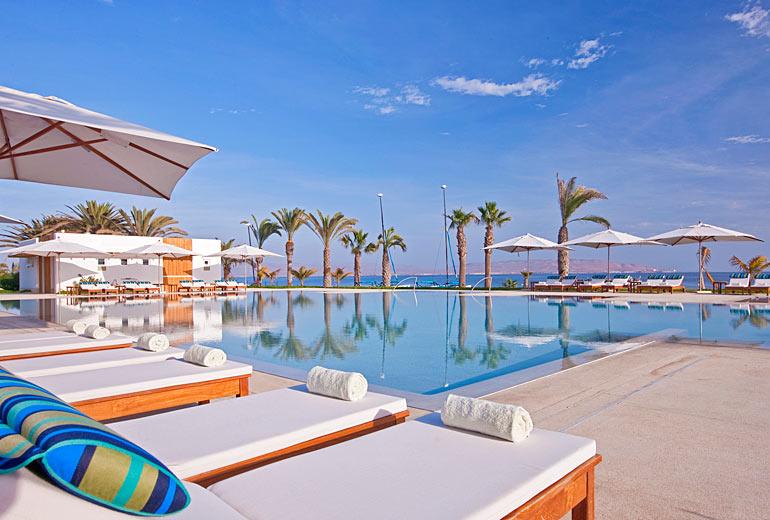 Hotel Paracas pool day.jpg