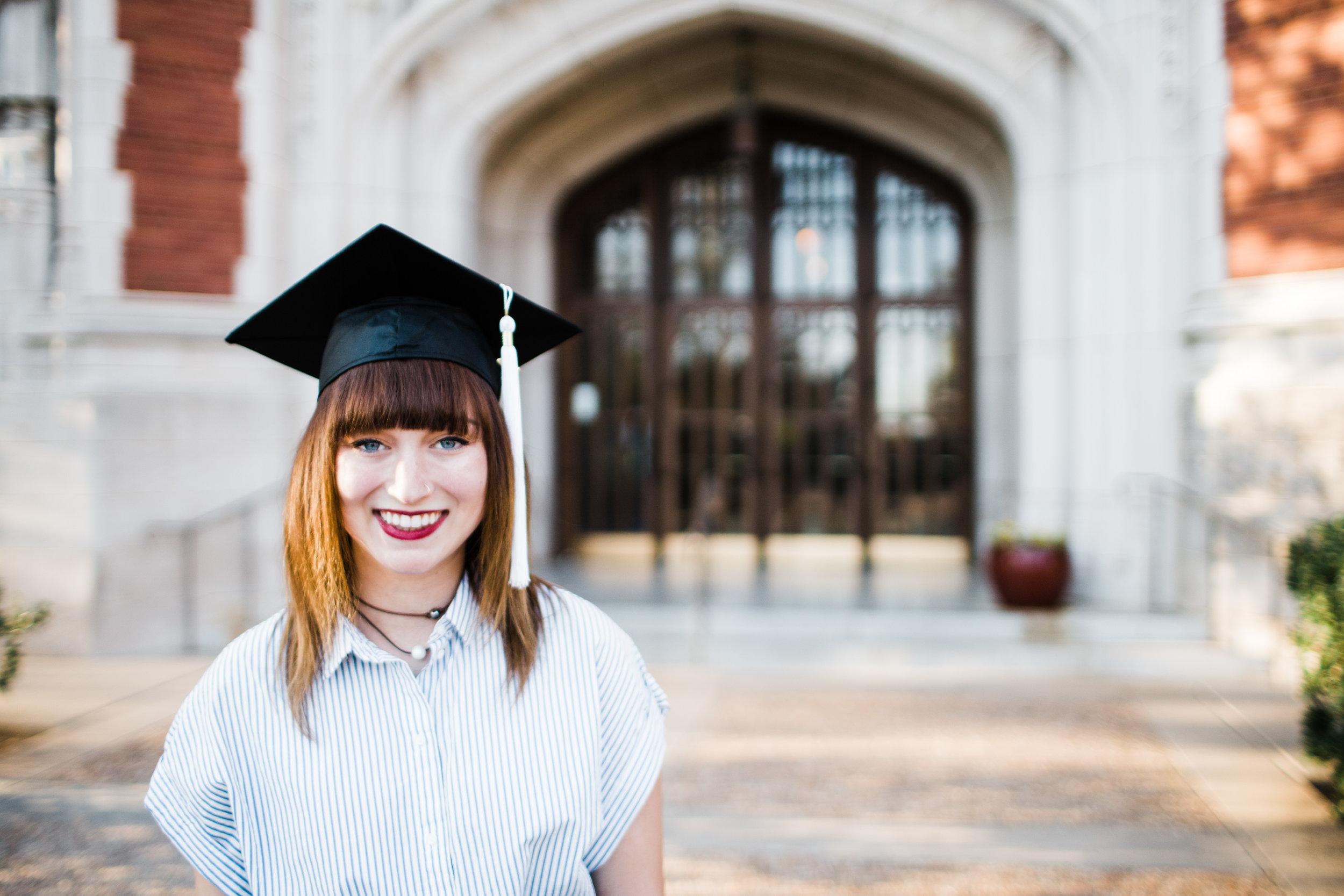 Graduation cap senior picture