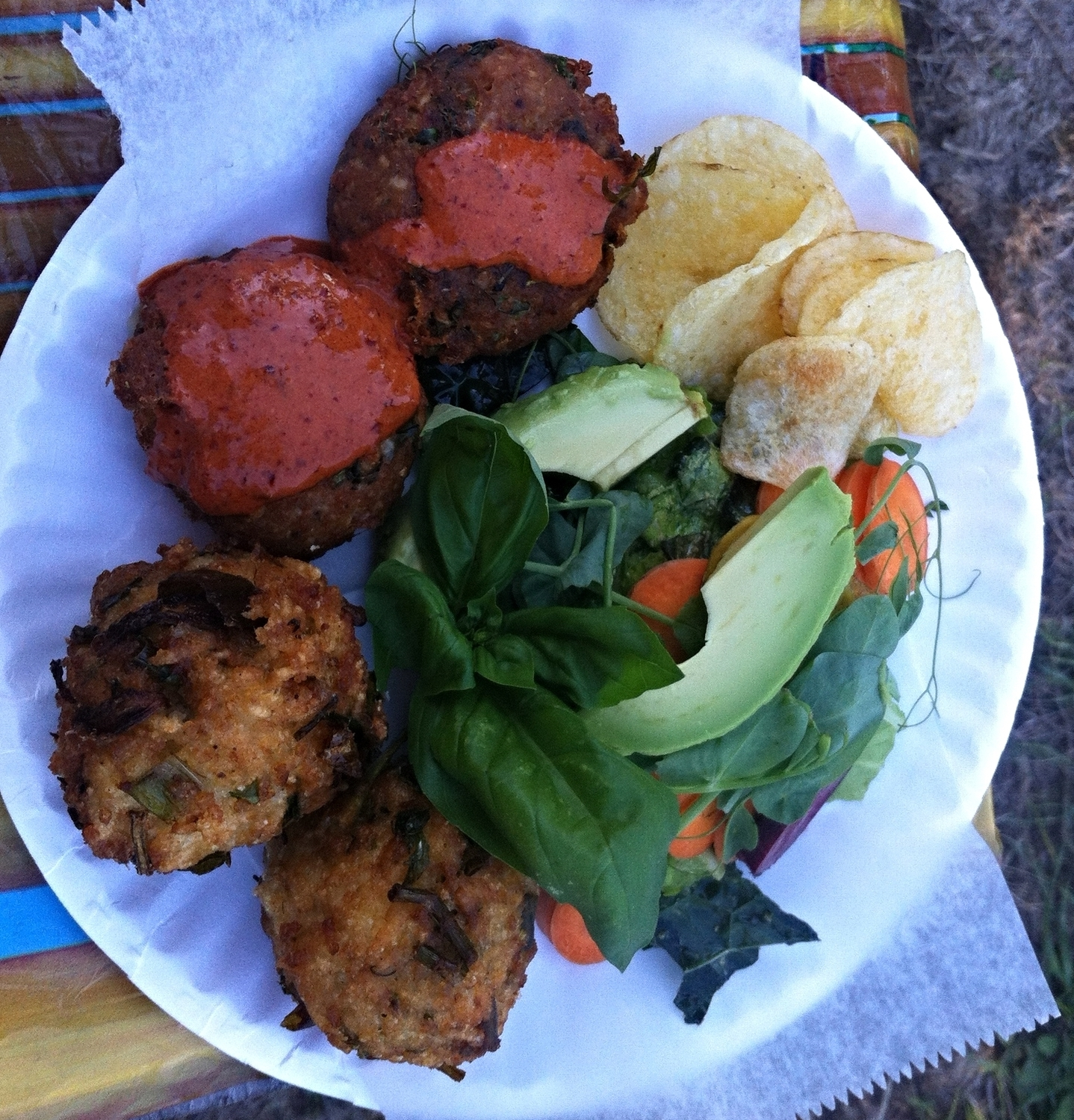 herb rice balls, salmon cakes with go chu jang yogurt, green salad and chips