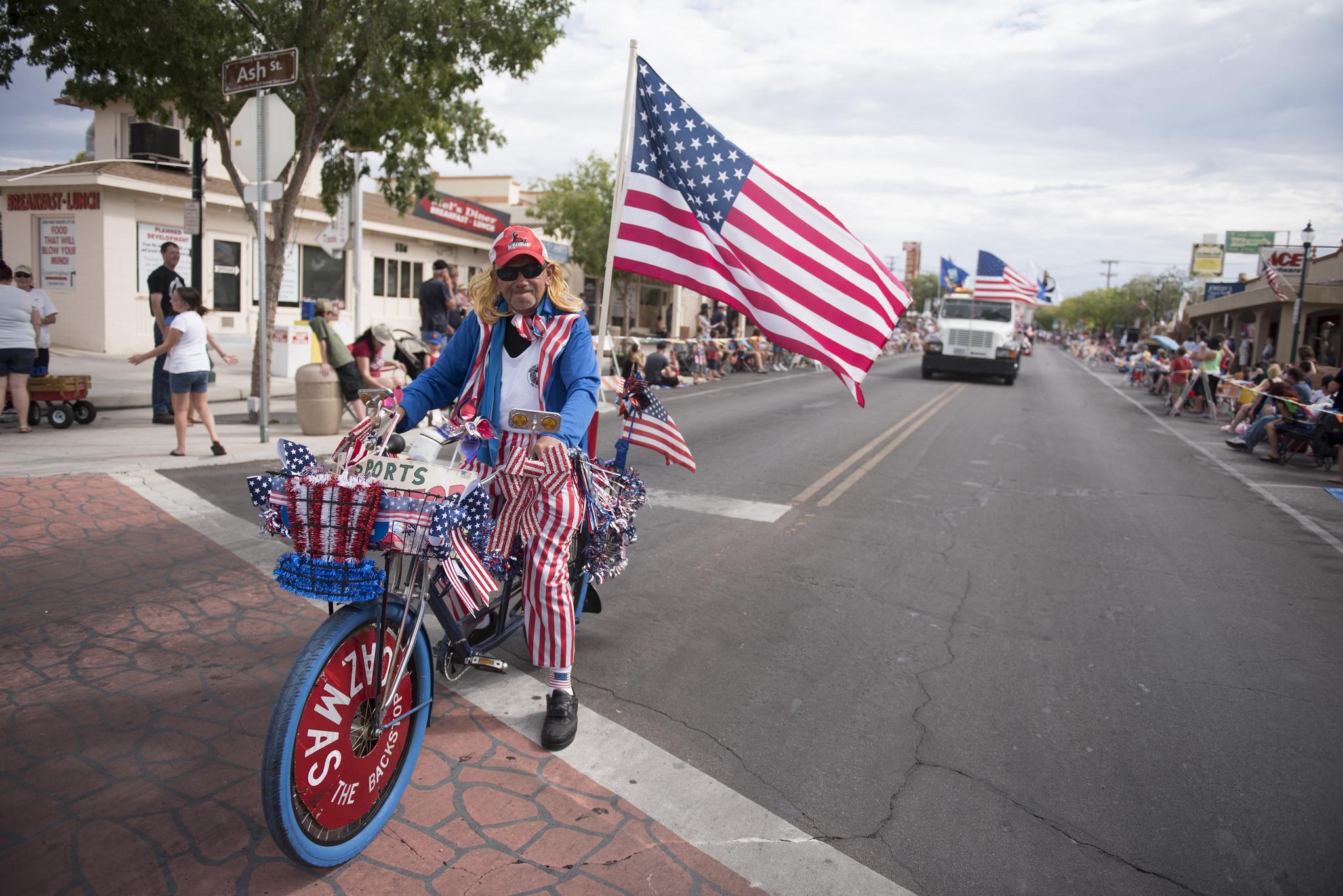 Casimer Kusak rides his bike in the Fourth of July parade at the 67th Annual Boulder City Damboree Celebration in Boulder City, Saturday, July 4, 2015. (JASON OGULNIK/BOULDER CITY REVIEW)