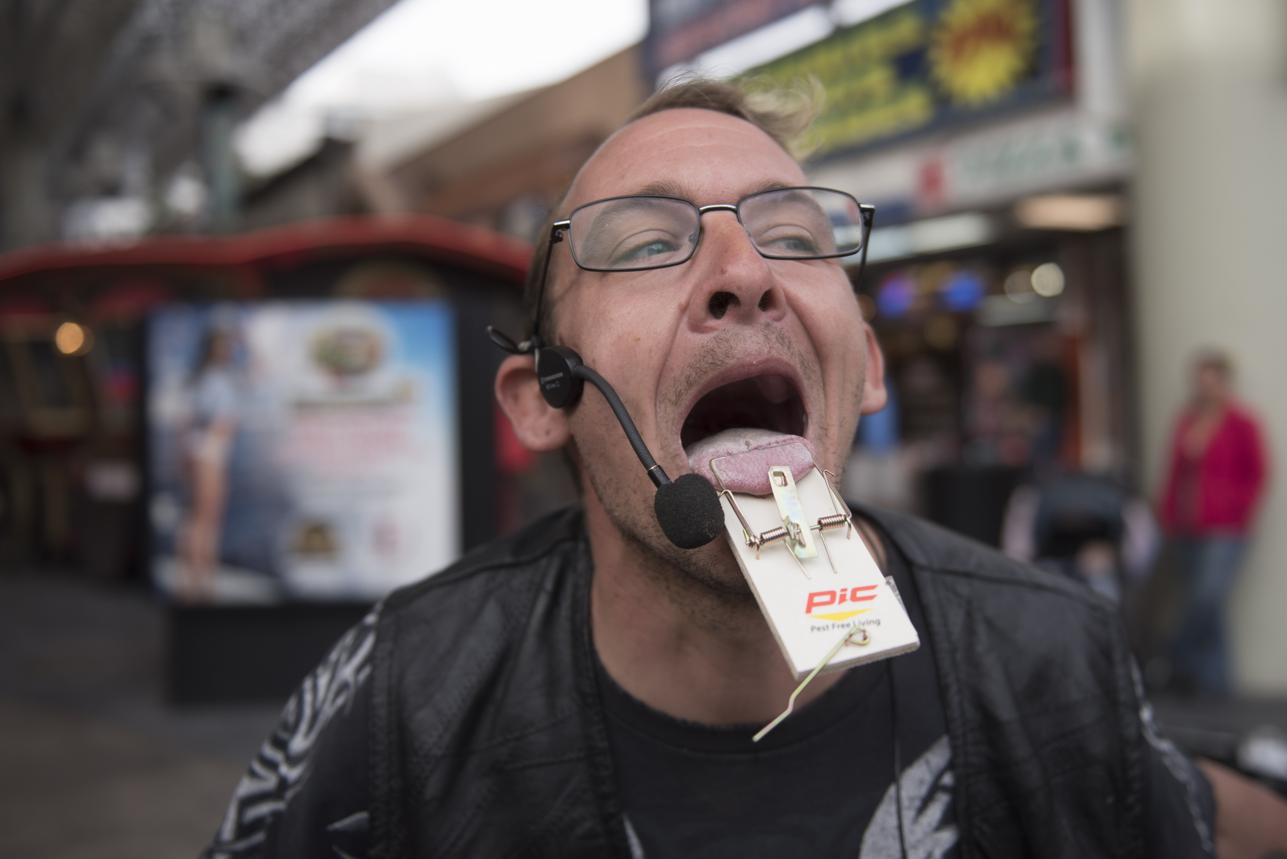 Busker Jesse Case performs by sticking his tongue in a mouse trap at Fremont Street Experience in Las Vegas Thursday, Jan. 21, 2016. Jason Ogulnik/Las Vegas Review-Journal