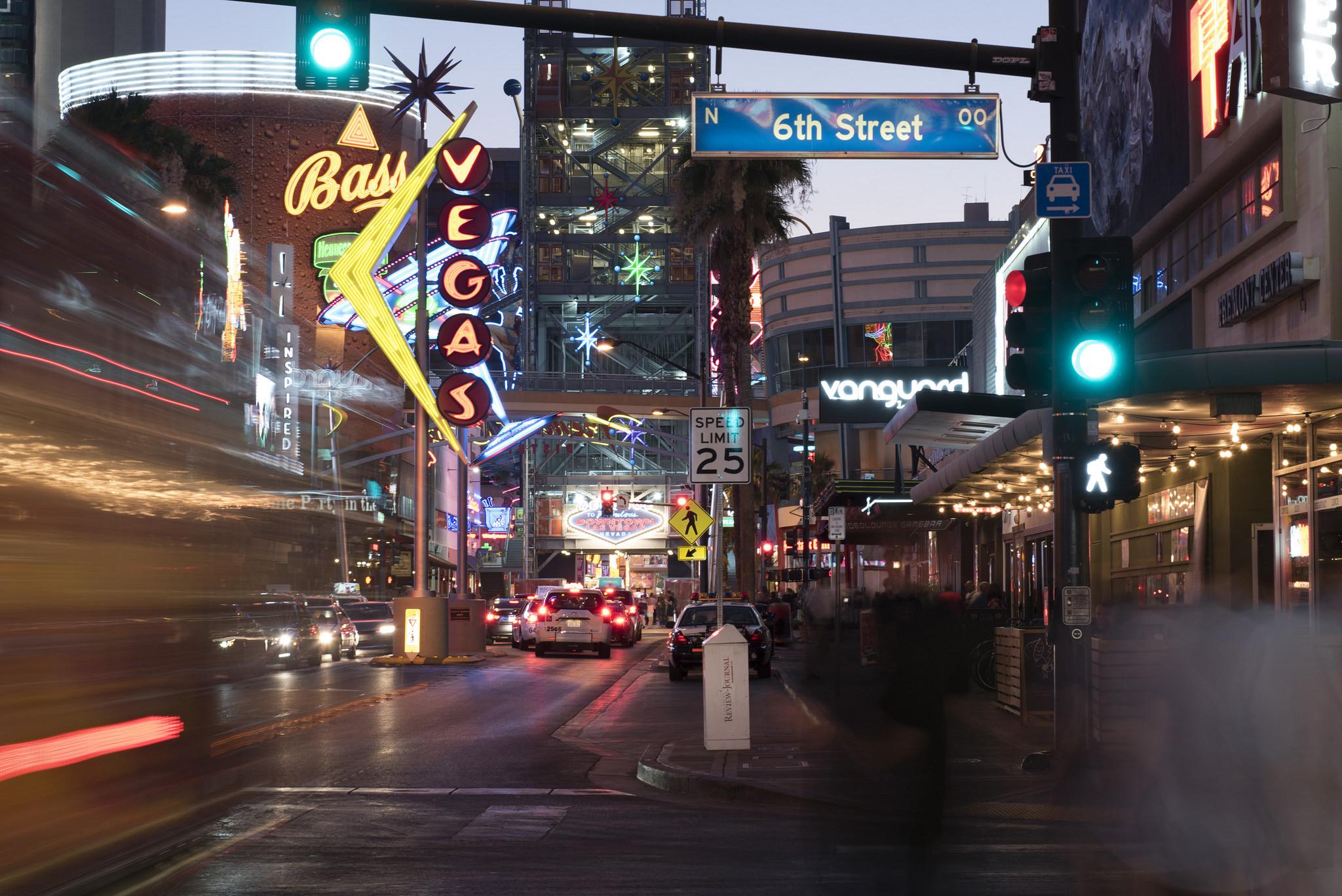 Traffic moves along Fremont Street at 6th Street in Las Vegas Friday, June 24, 2016. Jason Ogulnik/Las Vegas Review-Journal