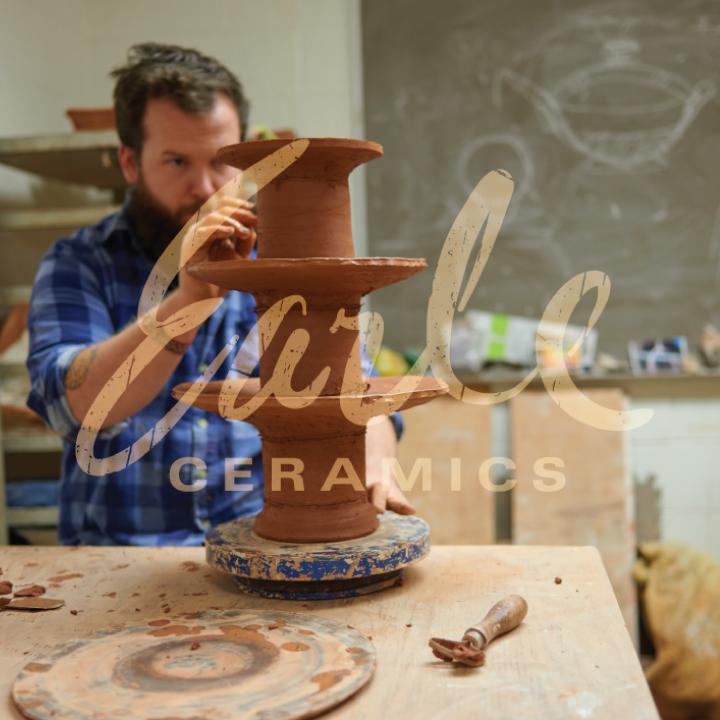 Earle Ceramics Logo