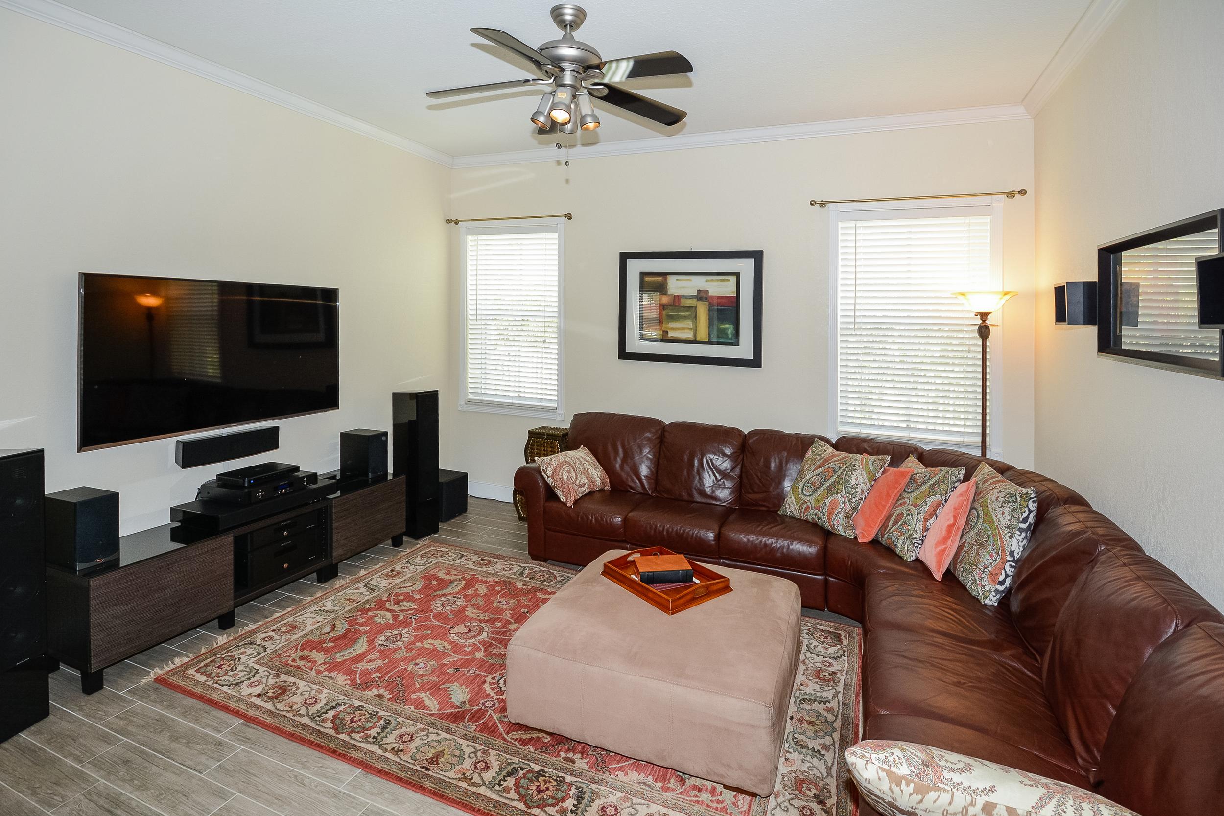 1652_sweetgum_terrace_MLS_HID1091974_ROOMfamilyroom.jpg