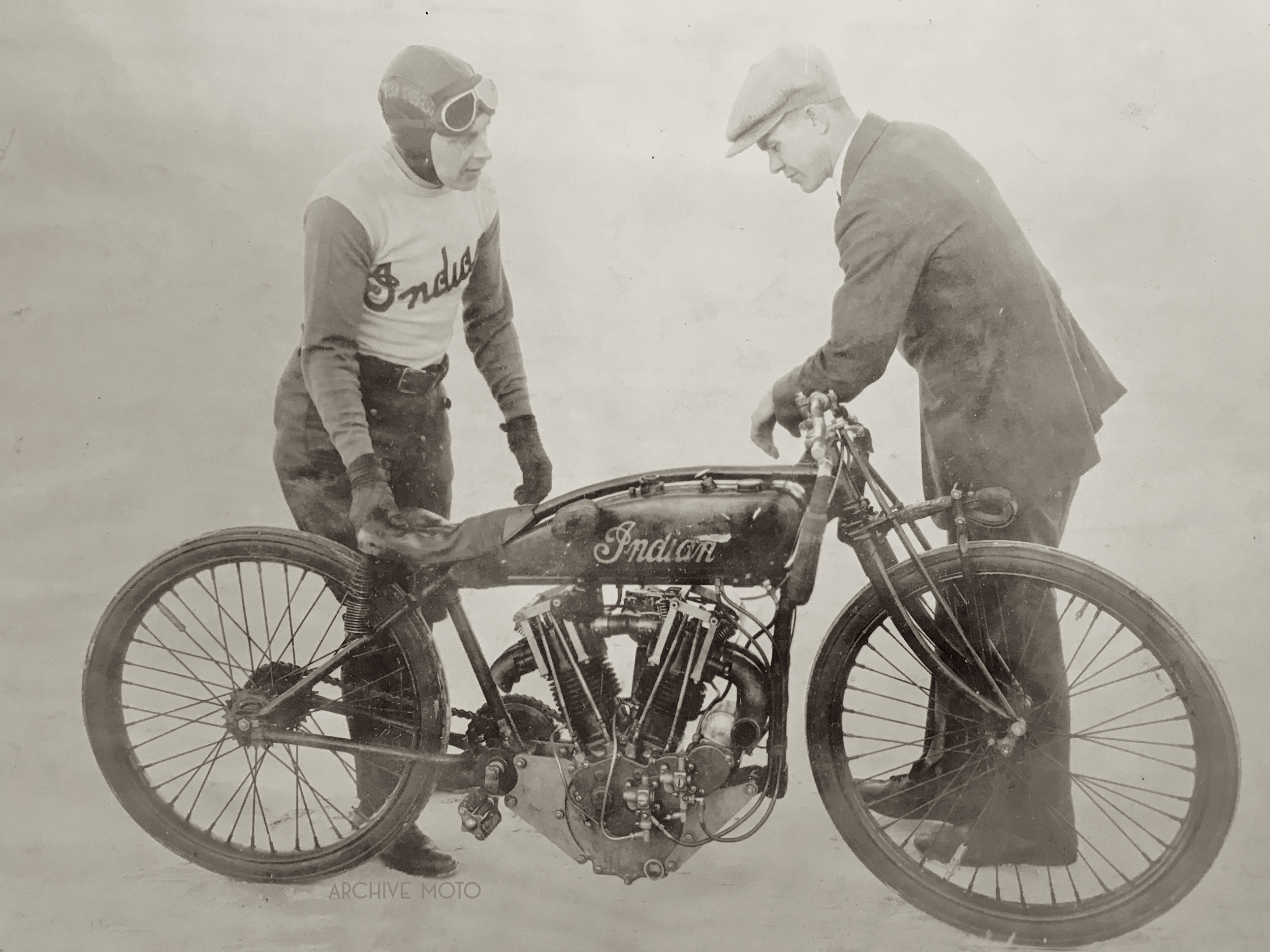 Johnny Seymour talking shop with Indian veteran Charles Gustafson Jr. on the beach at Daytona in early January 1926.