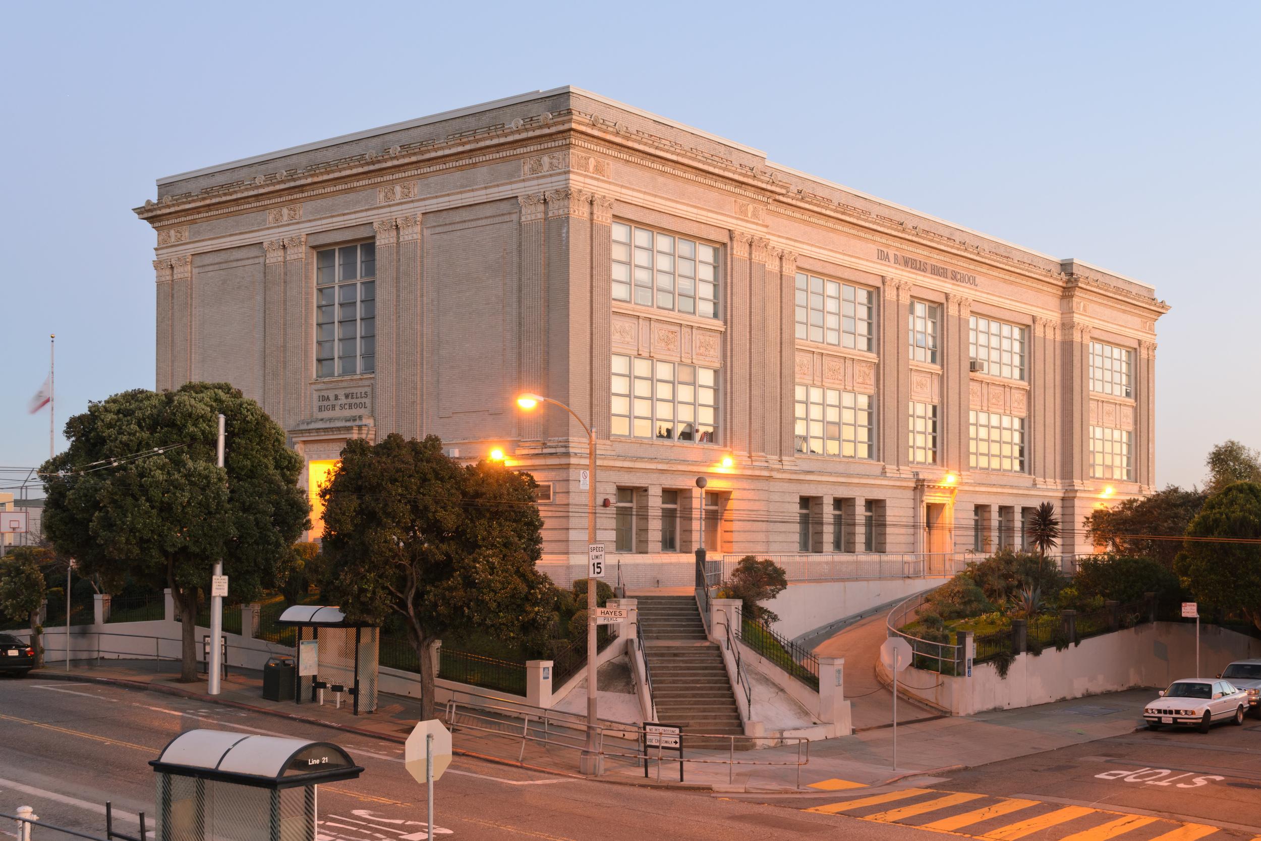 Ida_B_Wells_High_School_San_Francisco_January_2013_002.jpg