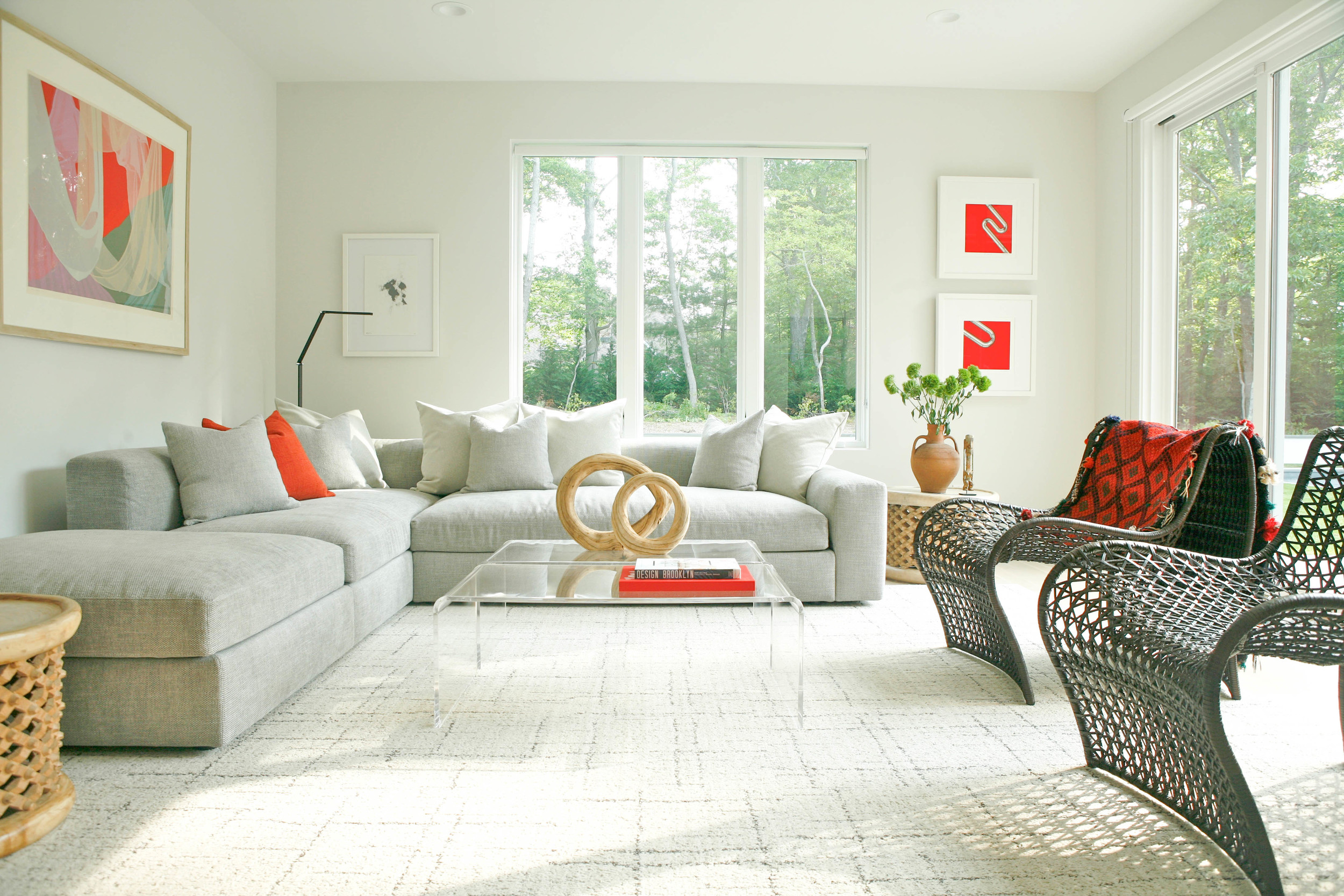 Family Room in our client's East Hampton home featured in NY Spaces Magazine Summer 2016 issue. Photography by Niya Bascom. See the rest at ishkadesigns.com.