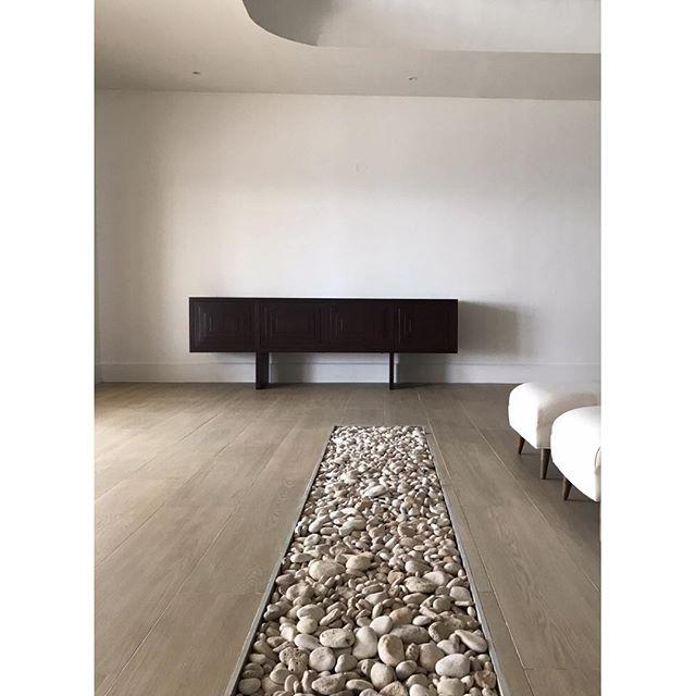 Simplicity. Textures. . . . Little else needed. #jamaica . . . . #🌴 #interiordesign #interiorinspiration  #interiors  #design  #deco  #interiorstyle  #interiorlovers  #interiorinspiration  #style  #minimal  #efficientlybeautiful  #simplicity #longevity #mindful #ishkadesignsinteriors  #brooklyndesigners  #interiordesigners