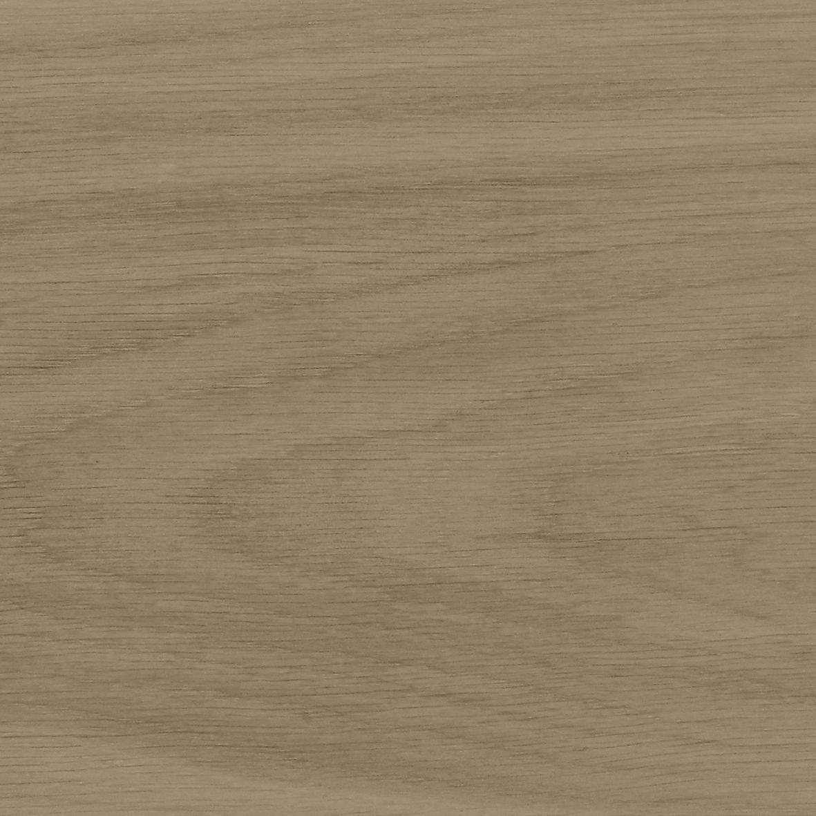 Welkom op de website van Simons vloer & wand, waar vakmanschap, kwaliteit, service en klantvriendelijkheid hoog in het vaandel staan.  Wanneer u kiest voor Simons vloer & wand, kiest u voor ervaren en deskundige vakmensen (   meester parketteur aan het Gilde van gediplomeerde parketteurs & Nederlands Kampioen 2012   ) , die iedere opdracht naar de hoogste maatstaven afronden. Het vakmanschap en de ambachtelijke technieken zijn van vader op zoon over gegaan en vormen, samen met onze moderne apparatuur een garantie voor kwaliteit.  Dat is niet alleen onze belofte aan u, maar ook een garantie die het CBW ( Centrale Branchevereniging Wonen ) aan u geeft.    Naast dat we gespecialiseerd zijn in het leggen van nieuwe vloeren zoals   traditioneel parket/tapis   (visgraat, Hongaarse punt, blokpatroon),   Bourgogne, hoogkant, kops hout, lamel, systeemplank, PVC, laminaat   en   tegels   houden we ons ook dagelijks bezig met het   aanhelen, restaureren en renoveren van vloeren & trappen  . Ook voor   maatwerk   draaien wij onze hand niet om, we maken met regelmaat tafels & keukenbladen op maat om zo een geheel te creëren met uw vloer en inrichting. We werken nauw samen met een   interieurarchitect   die alles naar uw wens kan uittekenen (bijvoorbeeld in 3D), tevens kan zij u ook adviseren bij andere vraagstukken zoals ruimtelijke indelingen, kleuradvies en herinrichting van uw woning of kantoor.  Tevens kunnen wij het   onderhoud   van uw vloer verzorgen en schade aan de vloer voor u te   taxeren   en   herstellen  .   Naast het leggen van tapis, massieve- of gelamineerde vloeren in alle gangbare houtsoorten en uiteenlopende patronen, zoals een herbergvloer, visgraat-, blokpaneel-, of bijvoorbeeld Versaillesparket. Zijn wij ook gespecialiseerd in het  aanhelen, restaureren  en  renoveren  van bestaande parketvloeren en trappen. Beschadigde of ontbrekende delen en tevoorschijn komende spijkertjes zijn goed te herstellen. Na het schuren en een afwerking naar keuze kunnen wij zo