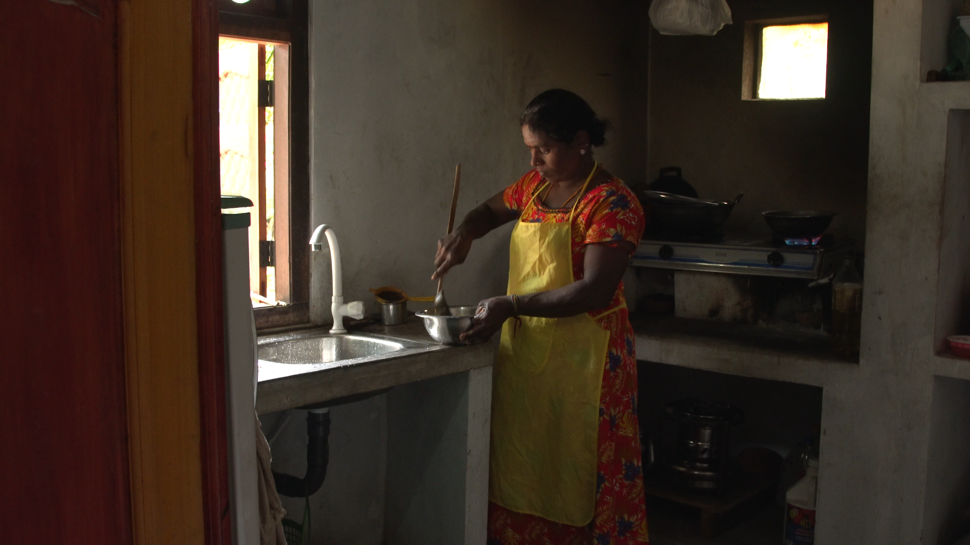Vasuki's Story - When she moved out of the internment camps, Vasuki started catering in order to make a living and send her son to school. Despite losing her leg in a shell attack, she now mentors others amputees helping them stay positive and develop coping mechanisms.