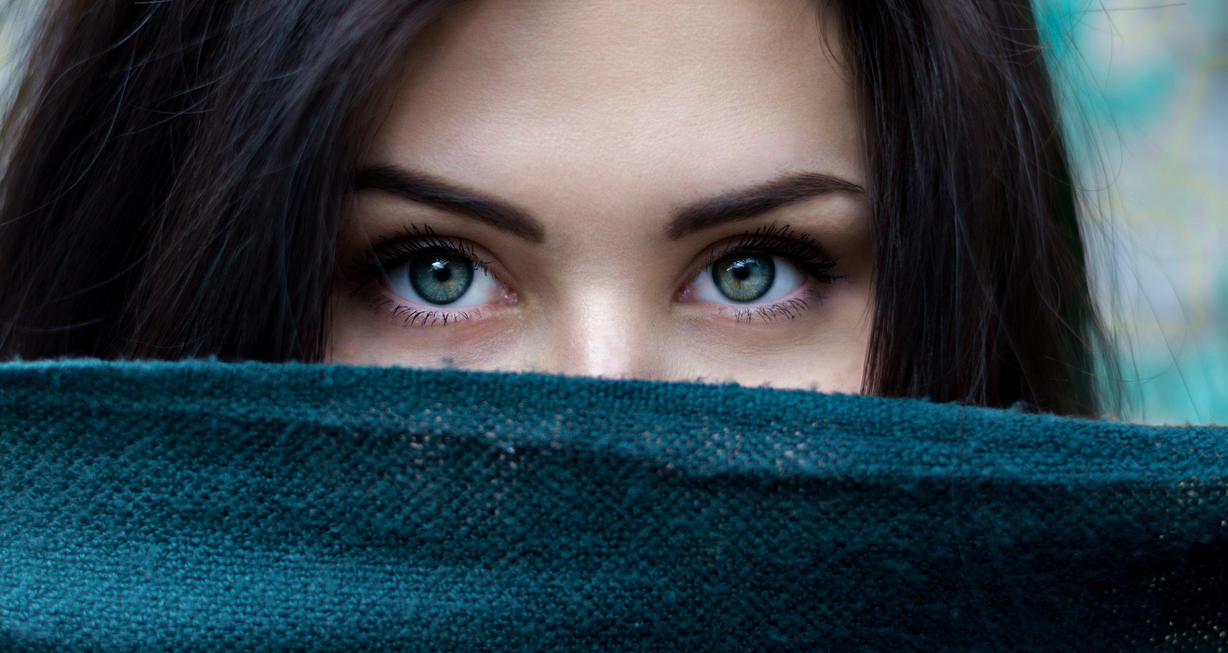 Eyelift (blepharoplasty) -
