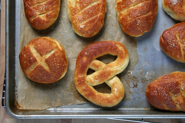 Pão de pretzel - foto by Chowhound.com