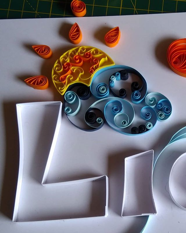 Baby name detail. I'm loving the beehive technique for the sun! #quilling #ireland #paperislove #liam