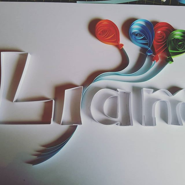 Baby name frame, second stage, adding balloons! #quilling #paperislove