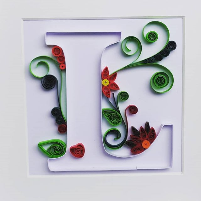 Final one for today. A flowery L for Liam ❤️💚 #quilling #papercraft #ilovepaper #ireland #arteempapel #papel #art #crafts #irishcraft