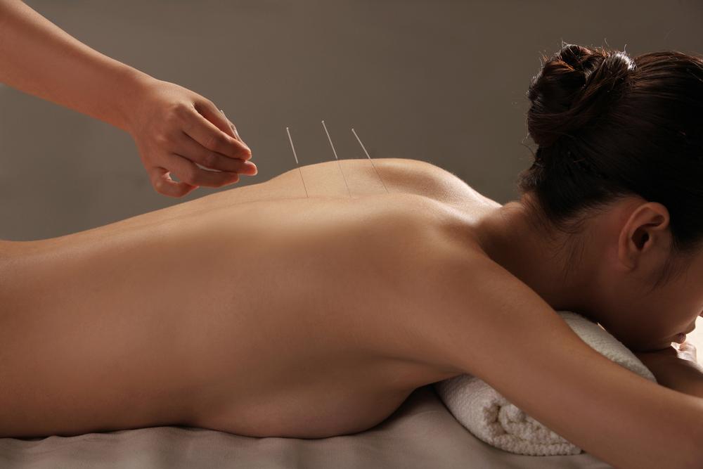 needles_girl_back.jpg