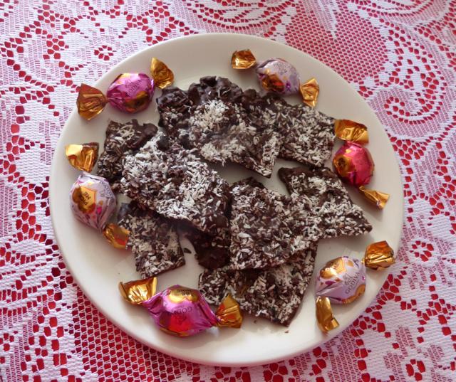 Gourmet Style Chocolate BarkPhoto by Sue Van Slooten