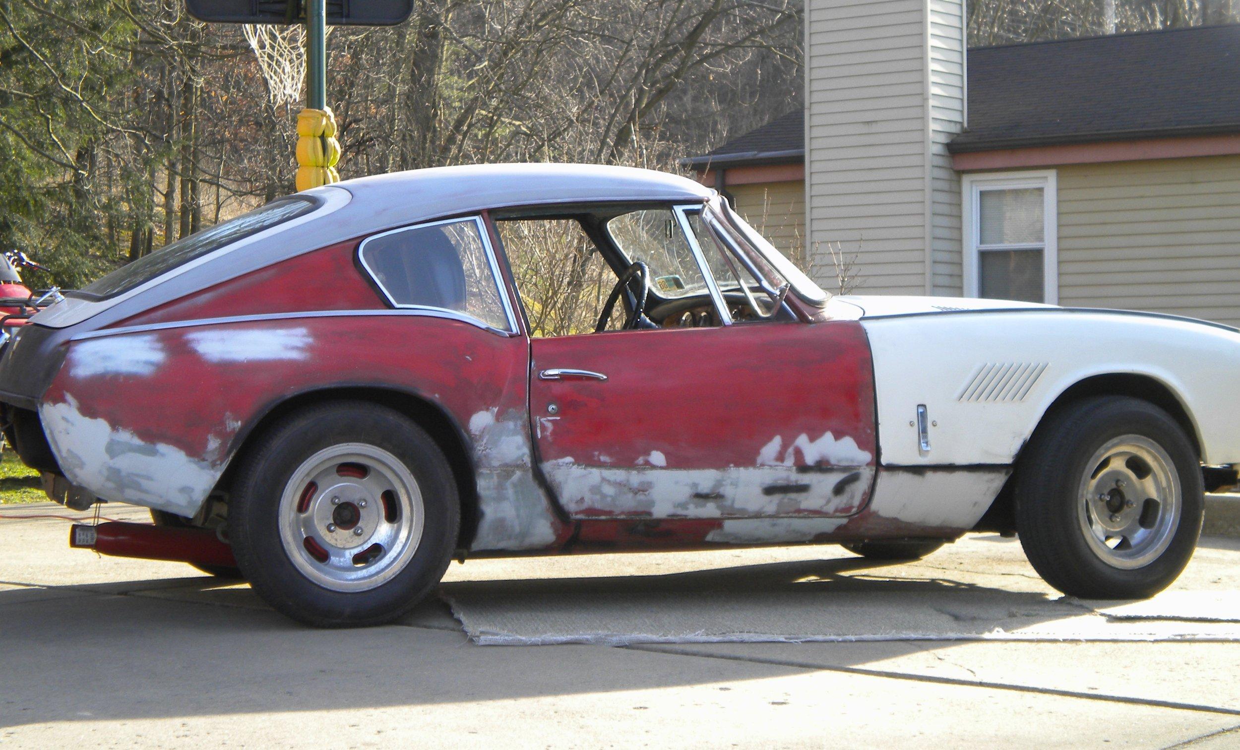 Beck GT6 Red White.jpg