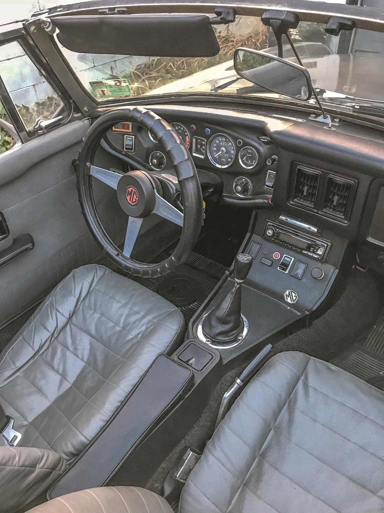 Interior Dash.jpg