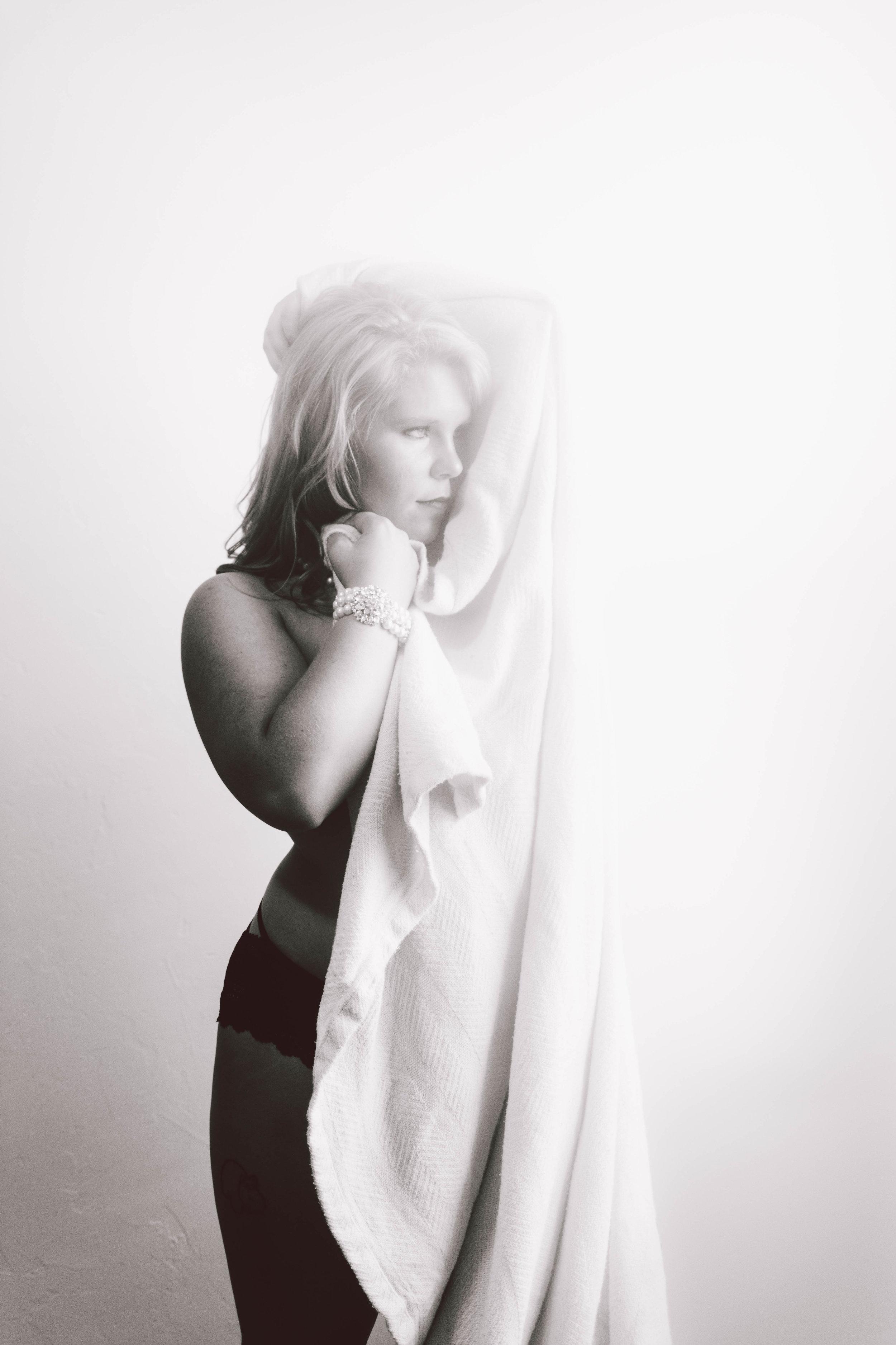 shaybassphotos-boudoir-97.jpg