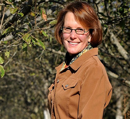 Diane Flynt on Apple Cider - recorded at the Appalachian Food Summit, September 2015. More information on Diane and Chuck Flynt's operation  FoggyRidgecider.com  -Photo credit, Froggy Bottom Cider.
