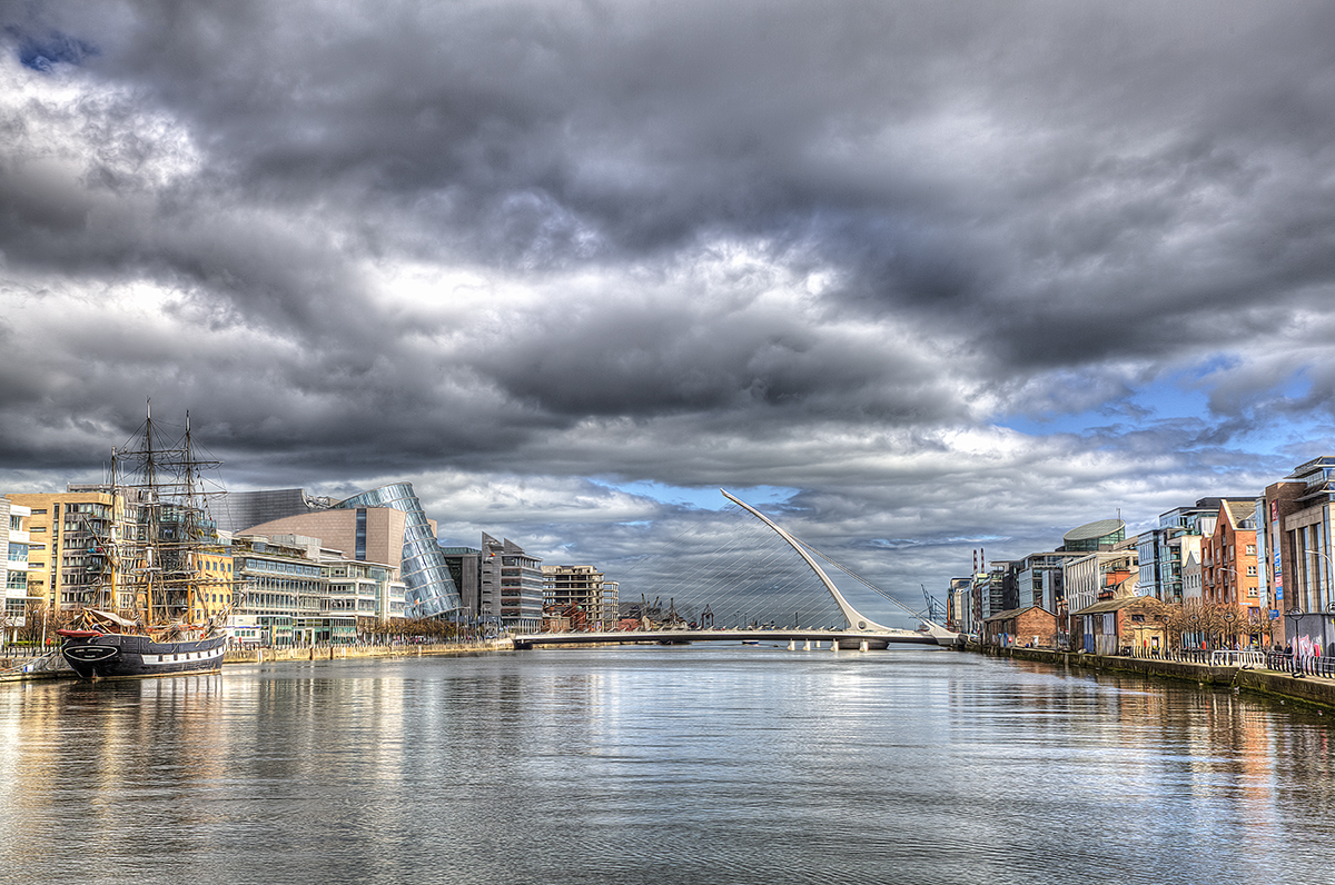 River Liffey'2C Dublin.jpg