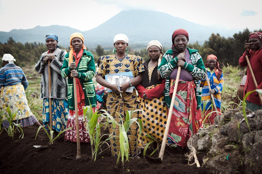 Women farmers, Rwanda 2011, by Greg Funnell