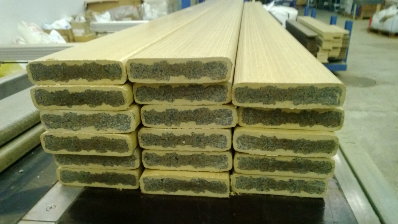 Multilayer WPC-decking boards using mixed color recycled plastics at WPC-core layer