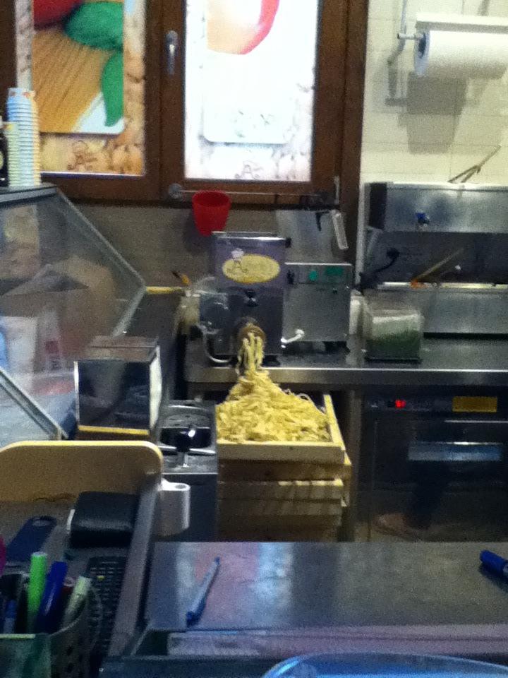 alfredos fresh pasta to go.jpg