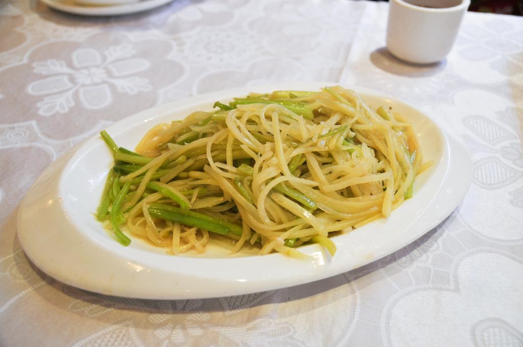 dong bei ren stir fried potato celery