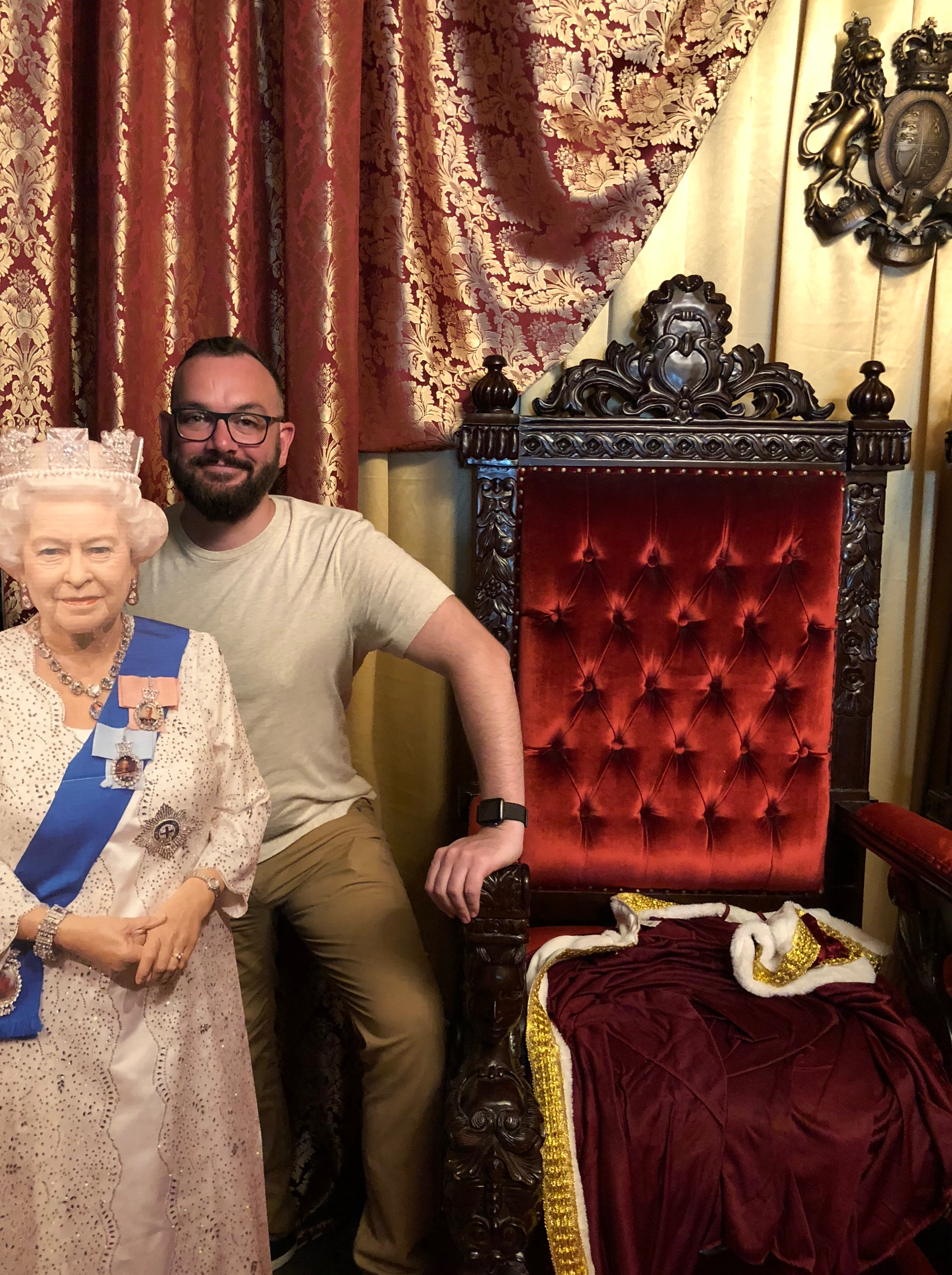 RoyalPUB03.jpg