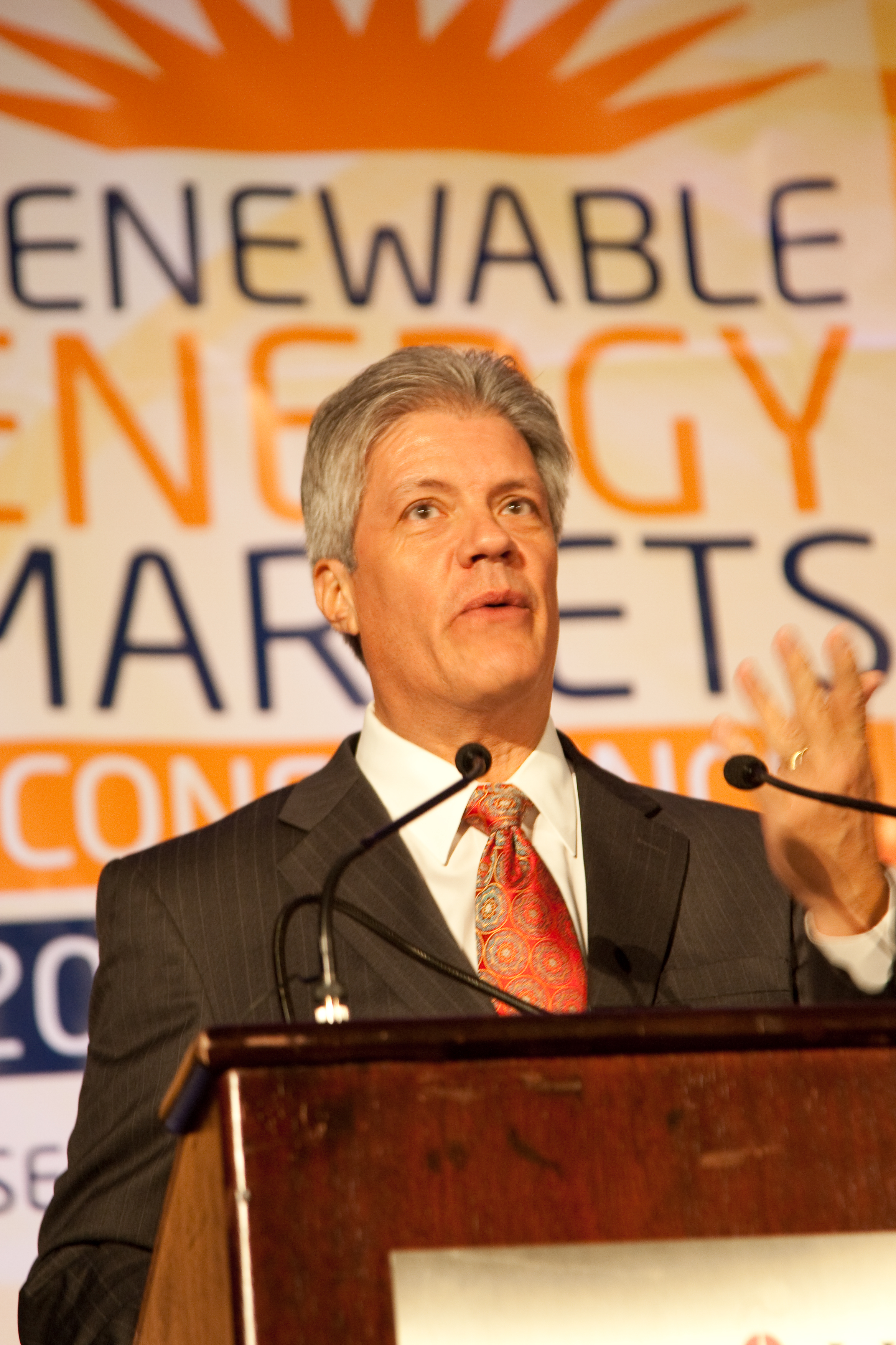 2090914renewableenergy20322.jpg