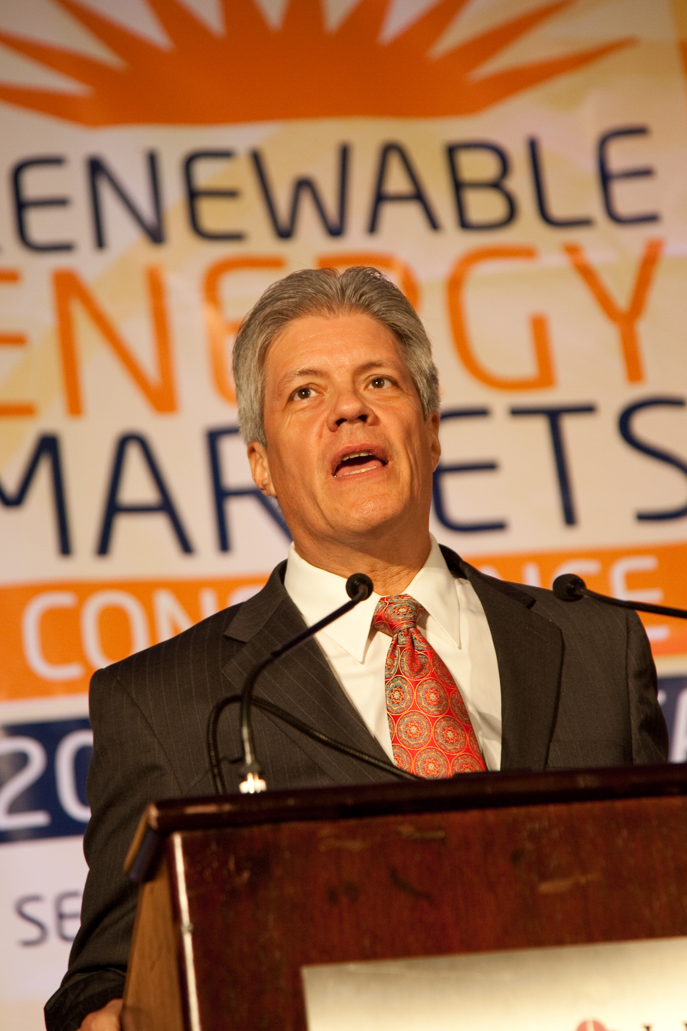 2090914renewableenergy20326.jpg