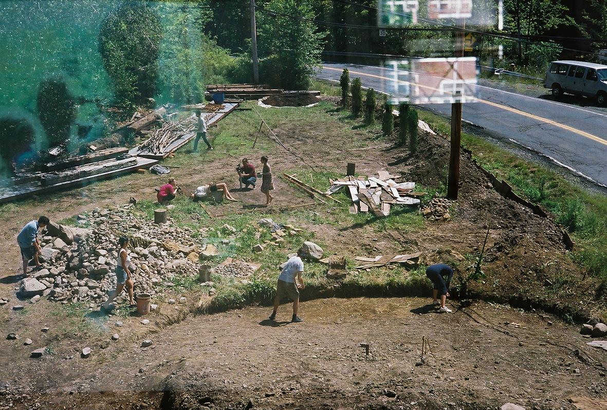 field_outside_people_work_digging.jpg
