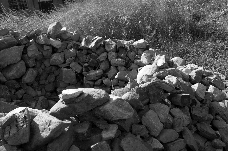 field_outside_rocks_circle_work_01.jpg