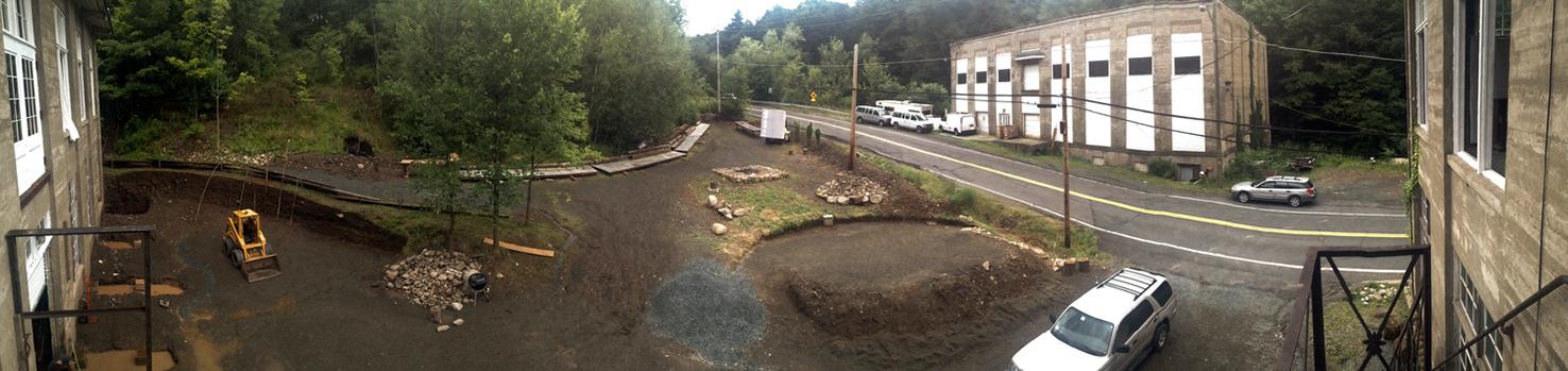 field_outside_work_empty_panorama.jpg
