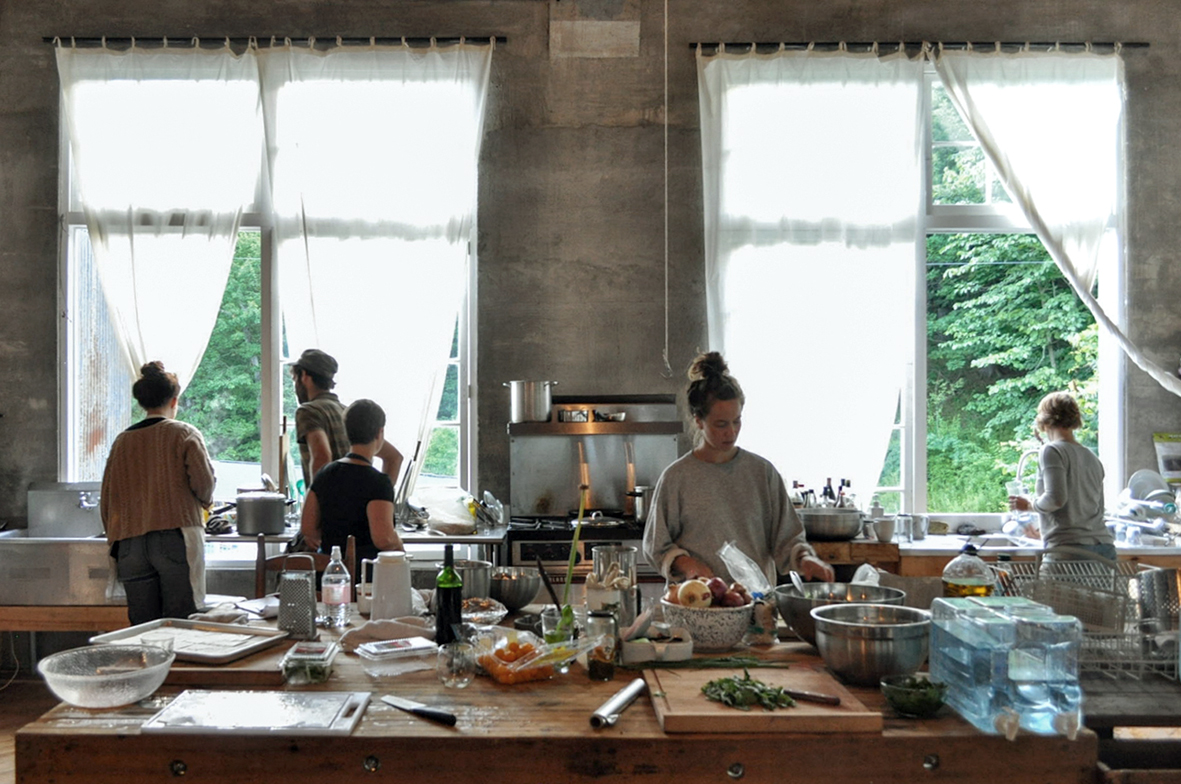 kitchen_mill_people.jpg