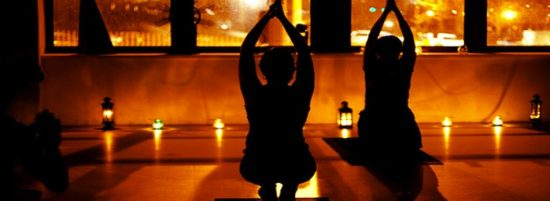 candle-light-yoga-550x201.jpeg